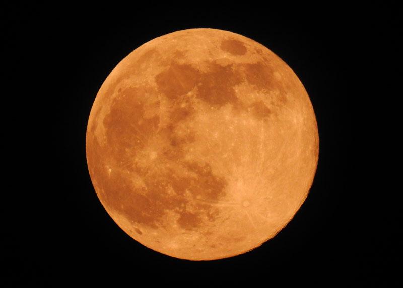 シーン撮影 月モード:オレンジ