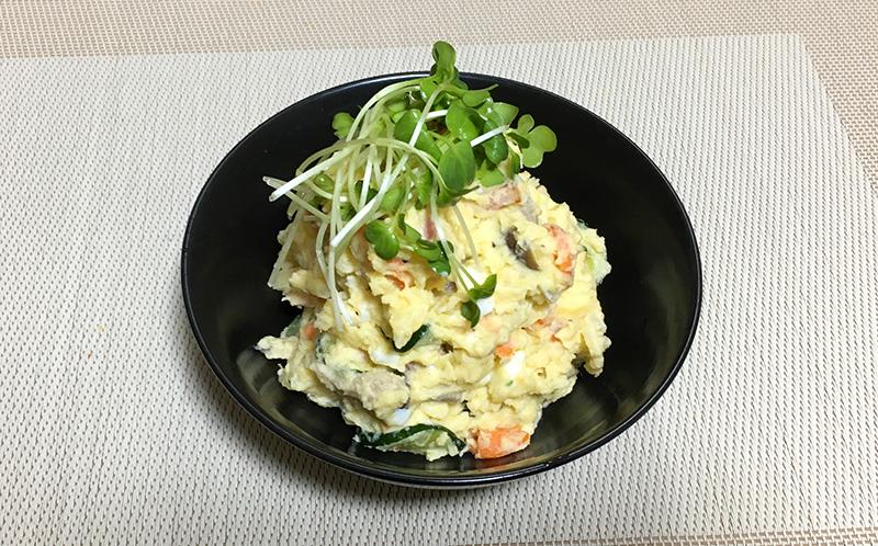 ベーコンエッグポテトサラダ